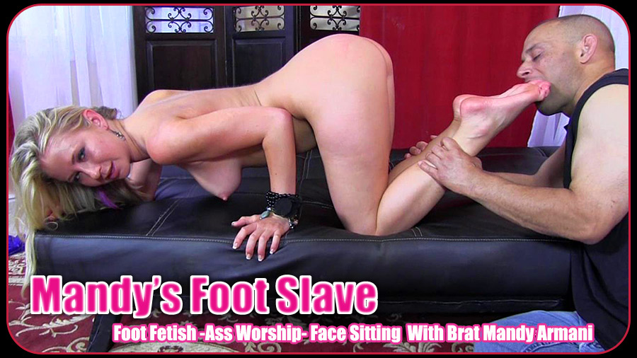Foot worship and face sitting vixens